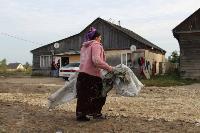 В тульском селе сносят незаконные цыганские постройки, Фото: 2