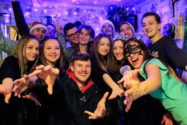 Новый год в окружении лучших друзей