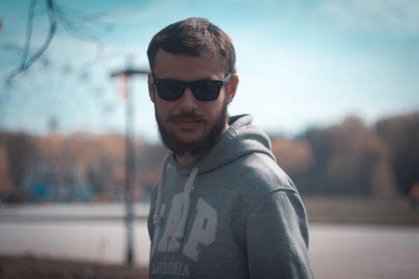 """Как говорит Петр Мамонов """"Если носите бороду — сбрейте, если нет — отрастите. Меняйтесь."""""""