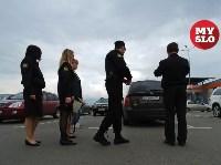 В Туле приставы и налоговики начали искать должников на парковках супермаркетов, Фото: 17