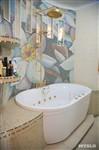 Интерьер ванной достоин,  пожалуй, королевского  дворца, Фото: 24