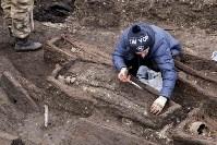 На Крестовоздвиженской площади Тулы обнаружено кладбище 18 века, Фото: 15