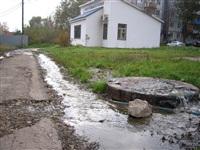 Засор в канализационном колодце в районе дома №2-Д по ул. Гарнизонный проезд, Фото: 3