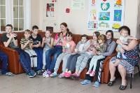 Пациенты Детской областной больницы получили в подарок «пряничного война», Фото: 12