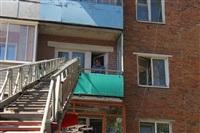 Следователи осматривают квартиру на ул. Баженова, Фото: 7