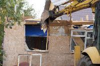 В тульском селе сносят незаконные цыганские постройки, Фото: 25