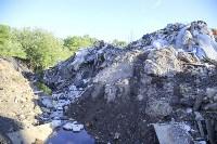 Незаконную свалку на берегу Тулицы спрятали под грудой земли, Фото: 26