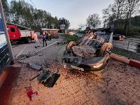 В Туле перевернувшаяся легковушка приземлилась у автомойки, Фото: 7