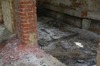 С заброшенных очистных канализация много лет сливается под заборы домов, Фото: 39