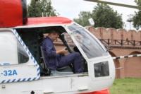 В кремле приземлился вертолет, который установит шпиль колокольни, Фото: 20