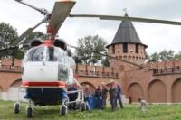 В кремле приземлился вертолет, который установит шпиль колокольни, Фото: 12