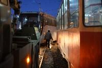 Столкнулись автобус и трамвай. 17 февраля 2016 года, Фото: 2