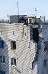У дома, поврежденного взрывом в Ясногорске, демонтировали опасный угол стены, Фото: 32