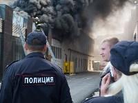 Загорелся недостроенный ТЦ на Красноармейском проспекте, Фото: 47