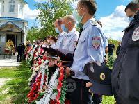Жуткое ДТП в Суворове: проститься с погибшим полицейским пришли сотни человек, Фото: 20