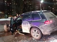 На ул. Вильямса в Туле у Volkswagen Touareg оторвало колесо, Фото: 1