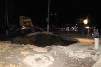 Глубина провала на Одоевском шоссе в Туле - примерно 3 метра, Фото: 11