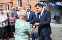 Владимир Груздев на вручении ключей от новых квартир переселенцам в Богородицке, Фото: 4