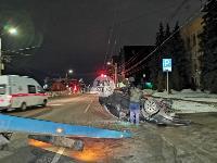 На ул. Болдина в Туле перевернулся Ford, Фото: 2