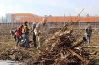 Генеральную уборку в Туле на Пролетарской набережной провели работники КБП, Фото: 14
