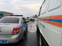 В ДТП на трассе М-2 в Туле у внедорожника оторвало колесо, Фото: 5