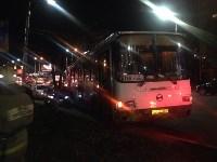 На улице Пузакова пассажирский автобус съехал с дороги, Фото: 3