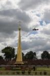 В кремле приземлился вертолет, который установит шпиль колокольни, Фото: 3