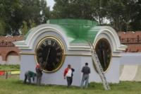В кремле приземлился вертолет, который установит шпиль колокольни, Фото: 7