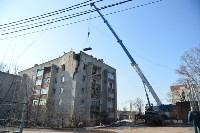 У дома, поврежденного взрывом в Ясногорске, демонтировали опасный угол стены, Фото: 38