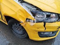 В Туле таксист из-за пробитого колеса попал в ДТП, Фото: 5