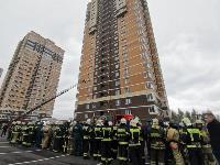 Тульские пожарные провели соревнования по бегу на 22-этаж, Фото: 19