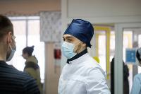 В Киреевске поликлинике помогают волонтеры, Фото: 31
