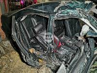 На выезде из Тулы BMW влетел в фуру: один человек погиб, Фото: 2