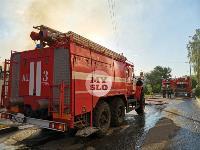 На ул. Баженова в Туле крупный пожар уничтожил жилой дом, Фото: 1