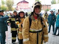 Тульские пожарные провели соревнования по бегу на 22-этаж, Фото: 44