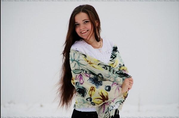 Дарите улыбку и радость близким)