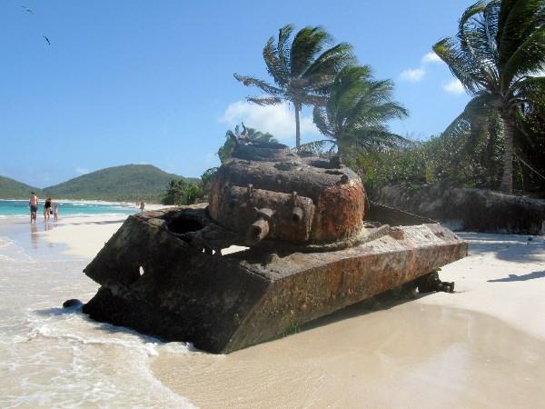 Прощай оружие. Пляж Фламенко, на острове Кулебра.