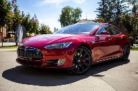 Владелец первого электромобиля Tesla рассказал, почему теперь не хочет ездить на других машинах, Фото: 28
