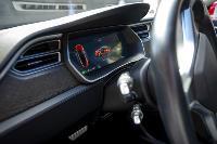 Владелец первого электромобиля Tesla рассказал, почему теперь не хочет ездить на других машинах, Фото: 3