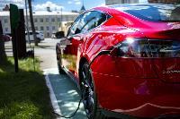 Владелец первого электромобиля Tesla рассказал, почему теперь не хочет ездить на других машинах, Фото: 22