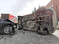 В Туле на ул. Оборонной Renault Logan после ДТП опрокинулся набок, Фото: 14