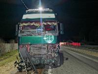 На выезде из Тулы BMW влетел в фуру: один человек погиб, Фото: 11
