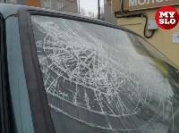 На ул. Ложевой в Туле после столкновения ВАЗ вылетел на тротуар, Фото: 3