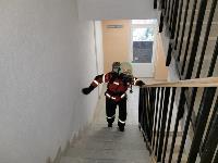 Тульские пожарные провели соревнования по бегу на 22-этаж, Фото: 28
