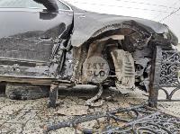 Туляк отвлекся во время движения и насадил Audi Q7 на забор, Фото: 10