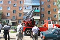Следователи осматривают квартиру на ул. Баженова, Фото: 6