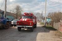 На Калужском шоссе загорелся жилой дом, Фото: 1