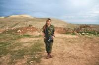 Одинокий солдат – финалист в категории «Идентичность». Фотограф: Брант Сломович Эмили, 19 лет. В ней смешаны корейская и казахстанская кровь. Она эмигрировала в Израиль со своим отцом. Борясь с тяжелой депрессией, она вступила в Армию обороны Израиля. Там девушка искала сообщество, которое бы её приняло., Фото: 2