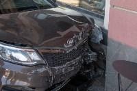 """""""Киа"""" врезался в здание ТЦ в центре Тулы, Фото: 5"""
