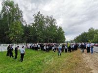 Жуткое ДТП в Суворове: проститься с погибшим полицейским пришли сотни человек, Фото: 2